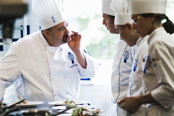 Học ẩm thực với các Master Chef, đầu bếp sao Michelin tại Le Cordon Bleu